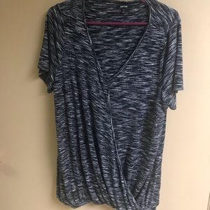 Women's black and white top XL